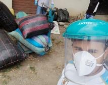 Compra 1 quintal de piñón y ayuda a 1 familia Manabita